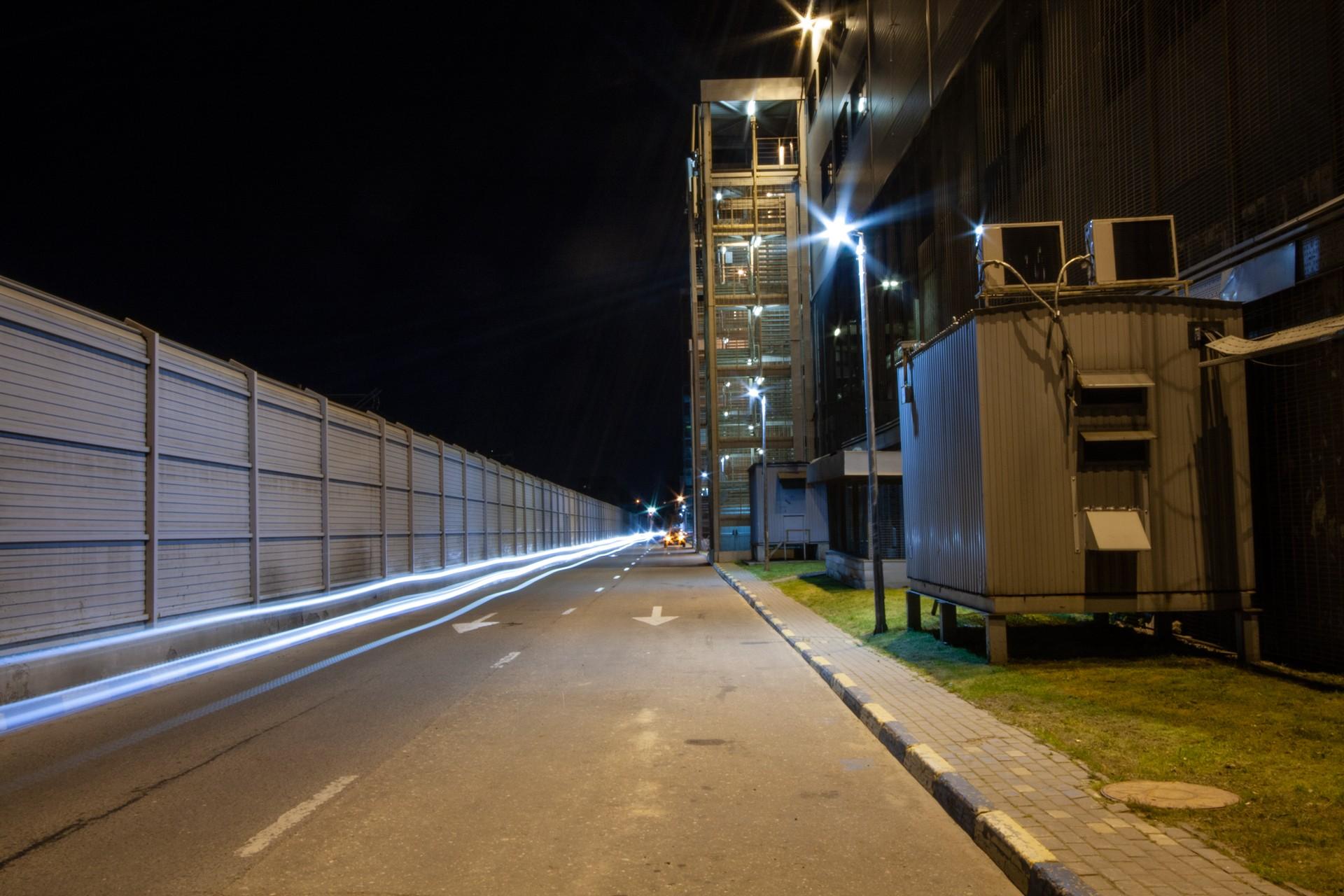 Освещение автомобильной дороги в Москве