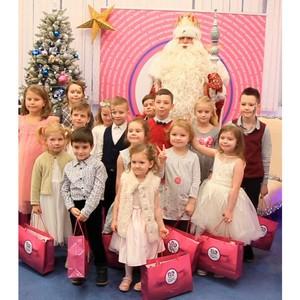 Дед Мороз страны посетил производителя мороженого «Баскин Роббинс»