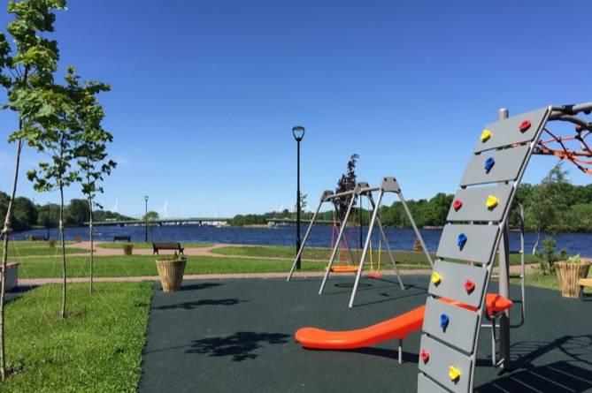 Детская площадка в рекреационной зоне на мысе