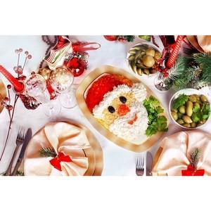 Диетологи рассказали, как правильно выбрать еду и напитки на Новый год