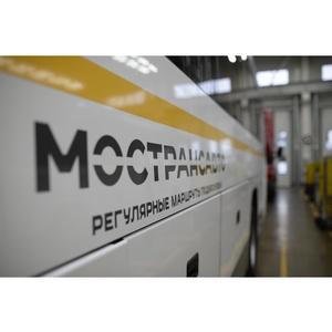 Автобусы Мострансавто перевозят участников соревнования по плаванию