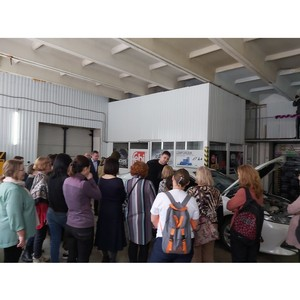 В Тюменской области стартовали обучающие занятия для женщин-водителей