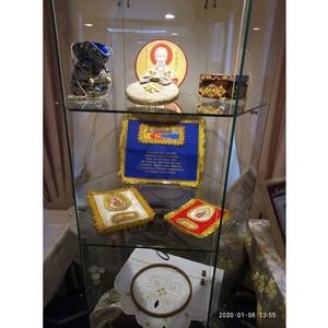 В Тюмени открылась выставка золотного шитья «Живопись иглой»