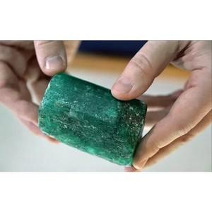 В Свердловской области найден коллекционный изумруд массой 0,5 кг