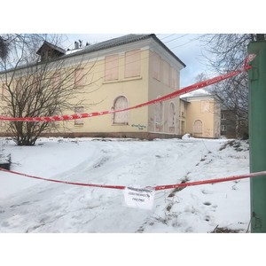 Активисты ОНФ добились консервации заброшенного здания в Петрозаводске