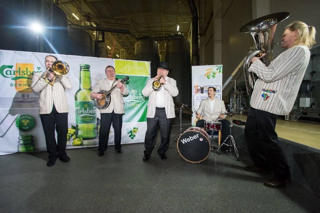 Музыканты Новосибирской филармонии дали концерт на заводе «Балтика»
