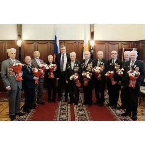 Глава Кировской области вручил ветеранам ВОВ юбилейные медали
