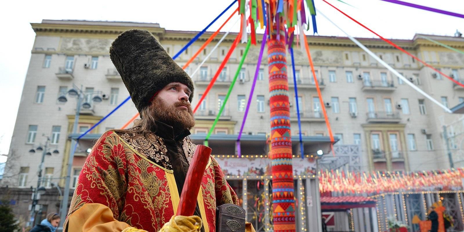 В столице оформляют площадки фестиваля «Московская Масленица»