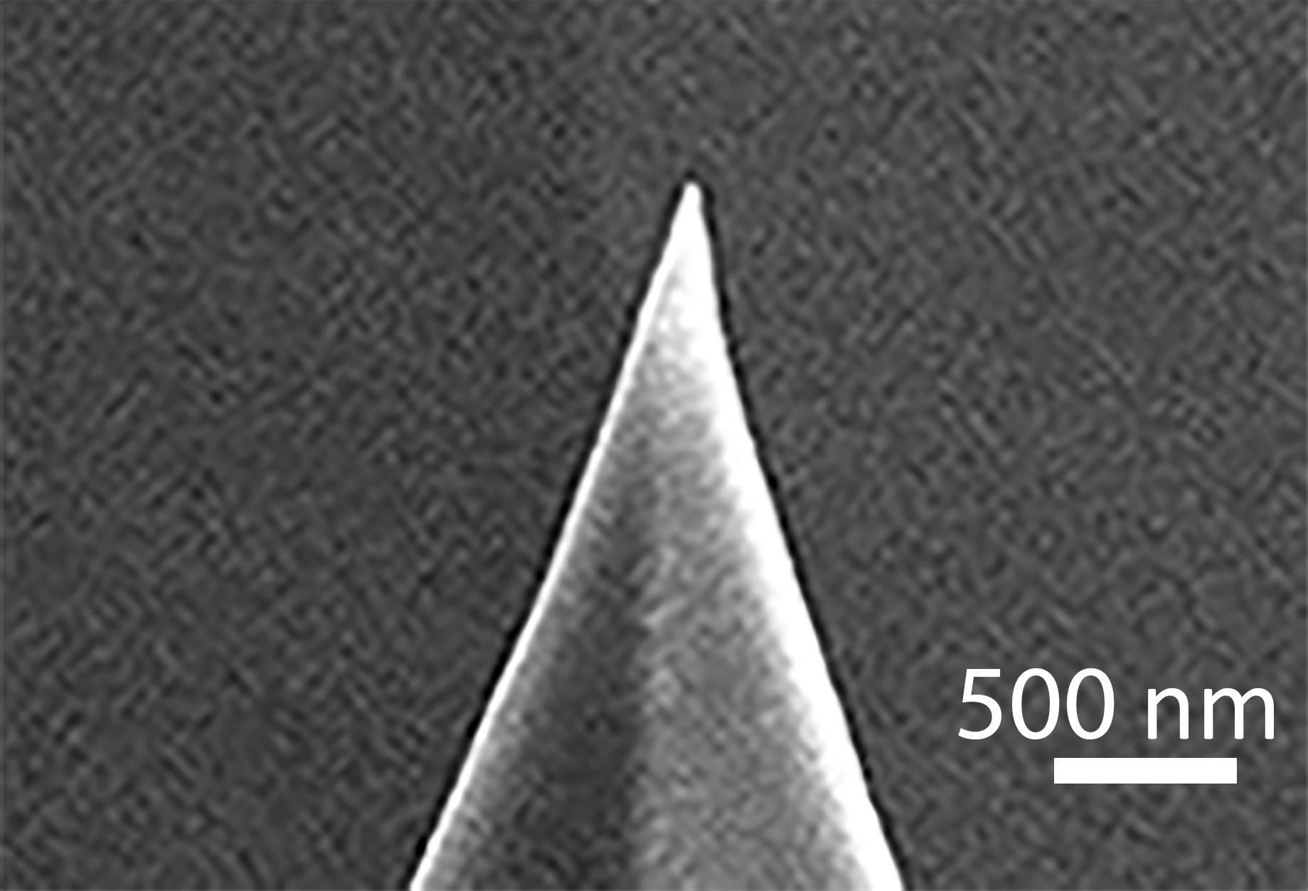 Изображение кремниевой иглы (электронный микроскоп) до синтеза диоксида ванадия. Victor Ya. Prinz et.al./Nanoscale, 2020.