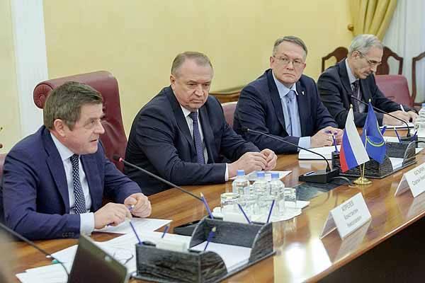 Усилить роль ТПП РФ в работе по развитию в стране института СРО