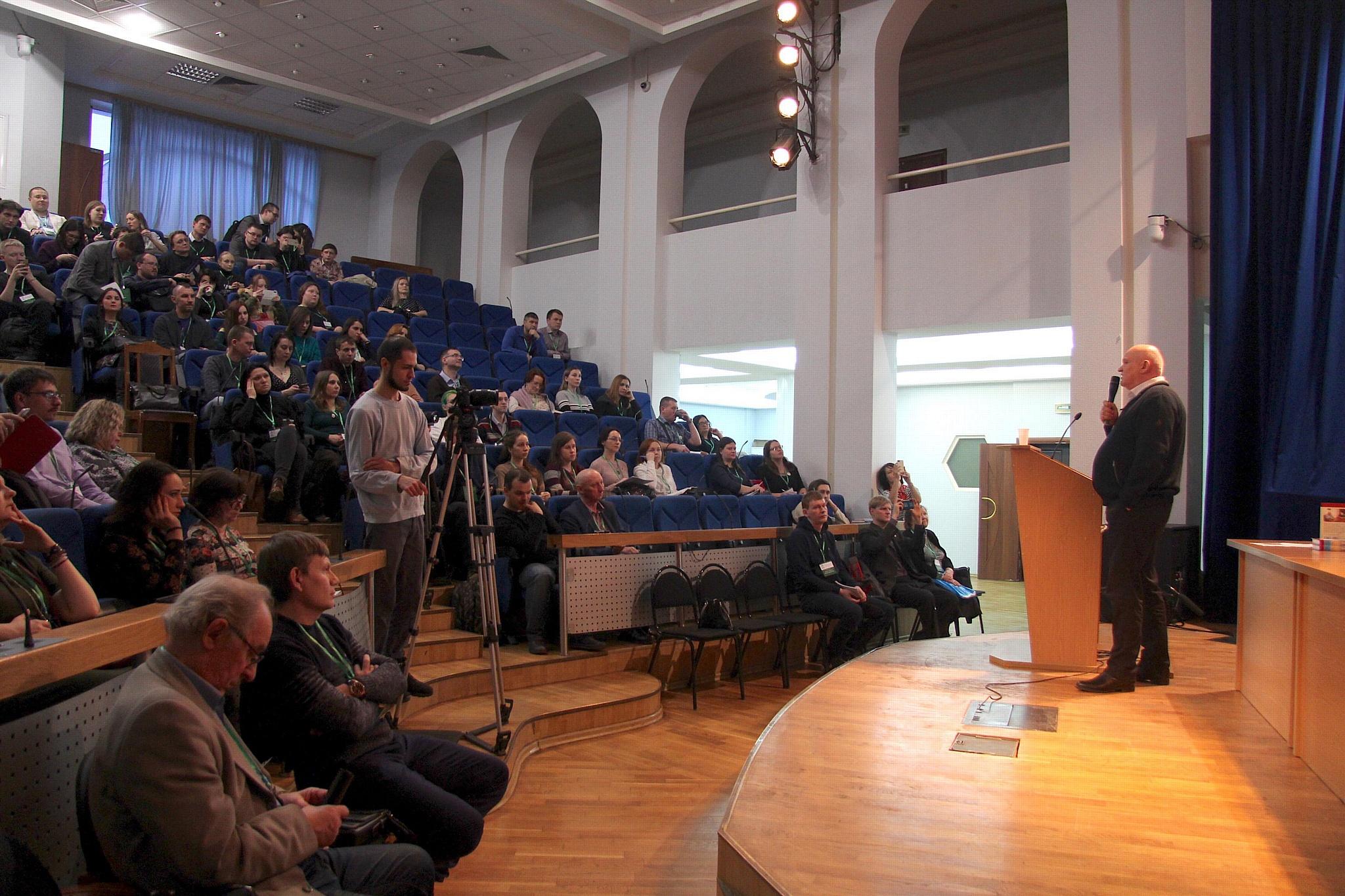 Александр Лапин: как создавать бестселлеры в эпоху соцсетей