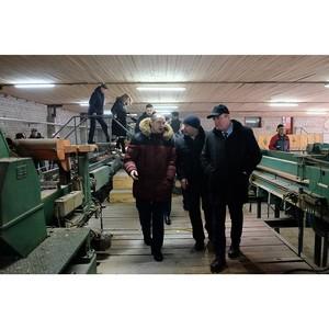 Губернатор Кировской области посетил лесоперерабатывающее предприятие