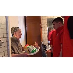 «Молодежка ОНФ» помогла пенсионерке из Благовещенска с ремонтом кухни