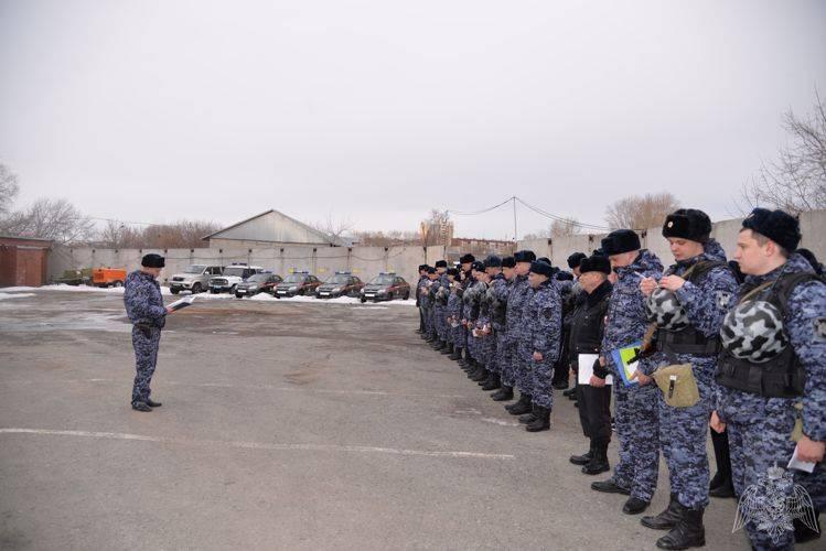 В Екатеринбурге наградили лучших сотрудников Росгвардии