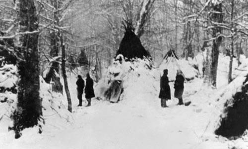 Фото 1941–1944 гг. от историка-архивиста Л.П. Кравцовой.  Симферополь.  Крым.