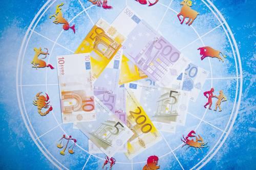 Как поведение женщин-инвесторов зависит от знака зодиака