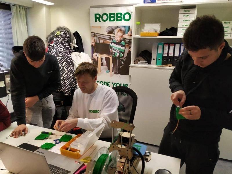 """""""Роббо"""" обучила школьников Европы робототехнике по программе Erasmus+"""