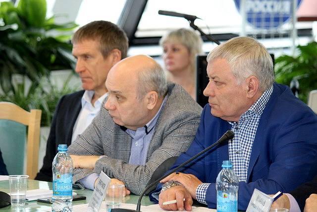 В Самарской Губернской Думе прошли думские слушания