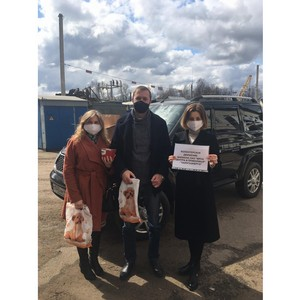 В Калужской области волонтеры-энергетики помогают ветеранам