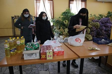 Фонд «Махеев» помог иностранным студентам КФУ продуктами питания