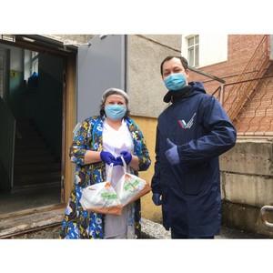 В Коми в рамках акции #МыВместе швеи изготовили тысячу защитных масок