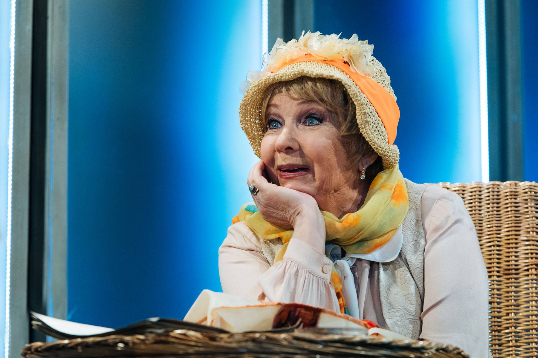Онлайн-трансляция спектакля «Старомодная комедия» 9 мая