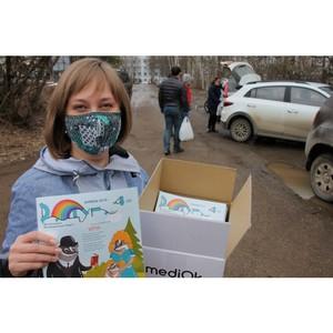 В Коми участники акции #МыВместе передали подарки детям в больницах