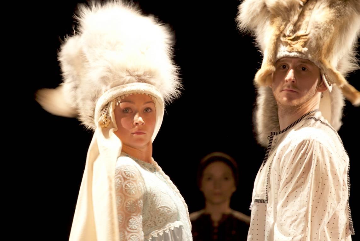 Театр им.Пушкина: Онлайн-трансляция спектакля «Материнское поле» 8 мая