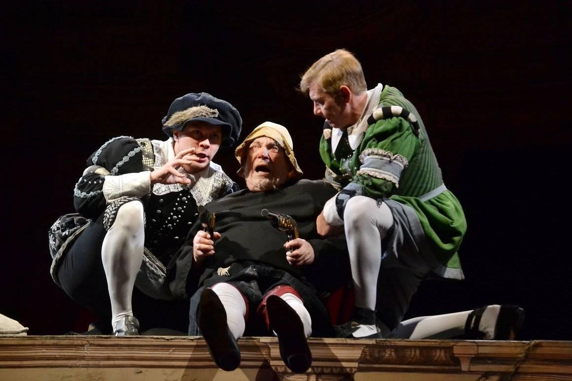 Театр сатиры: онлайн-трансляция спектакля «Укрощение строптивой» 6 мая