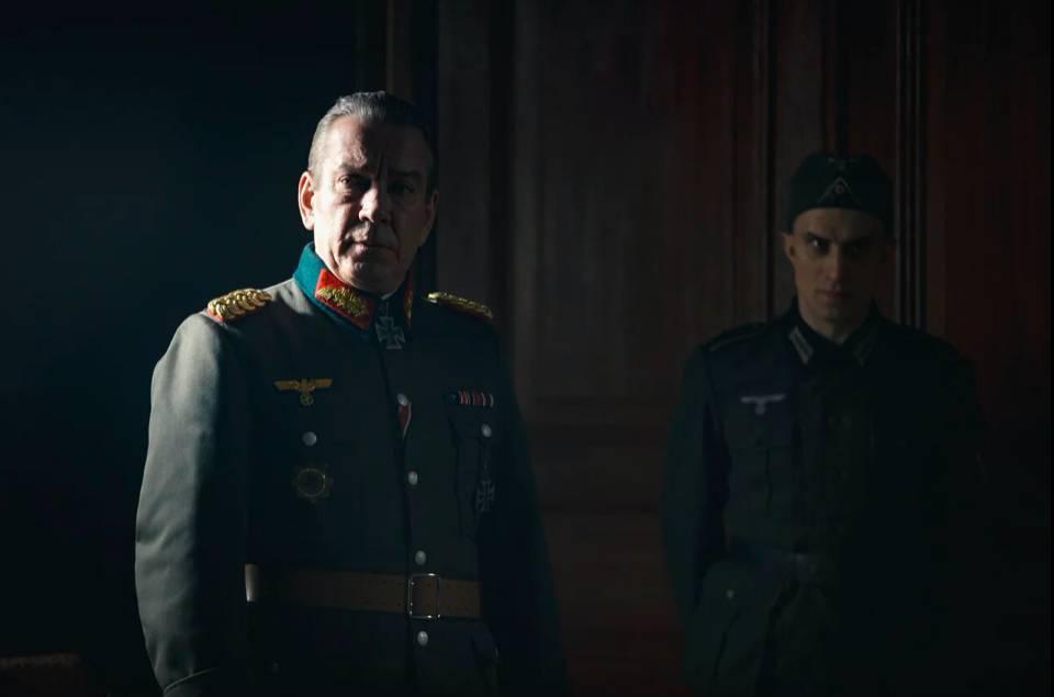 10 мая в эфир НТВ выходит военная драма «Дед Морозов»