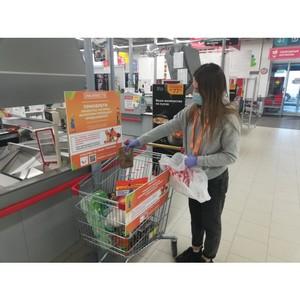 Активисты ОНФ доставили продукты из тележек добра нуждающимся жителям