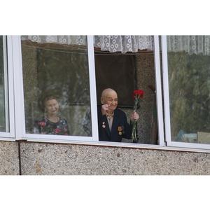 Парад под окном: в Чебоксарах росгвардейцы поздравили ветерана ВОВ