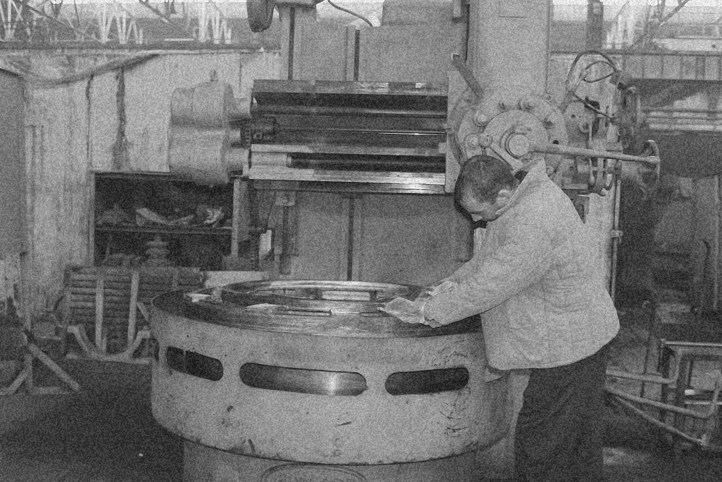Лента памяти: Каменск-Уральский литейный завод фронту