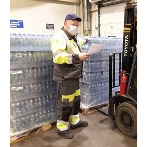 «Тульский пивзавод» передал 14 500 бутылок воды областной больнице