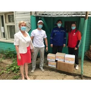 В Коми участники #МыВместе передали СИЗ медикам Сыктывдинского района