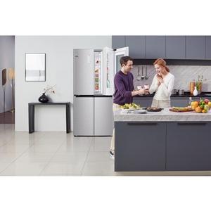 Новая модель холодильника LG Instaview Doorcooling+ в стальном цветe
