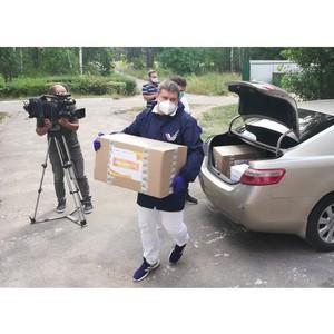 ОНФ передал СИЗы в Воронежскую областную клиническкю больницу №1