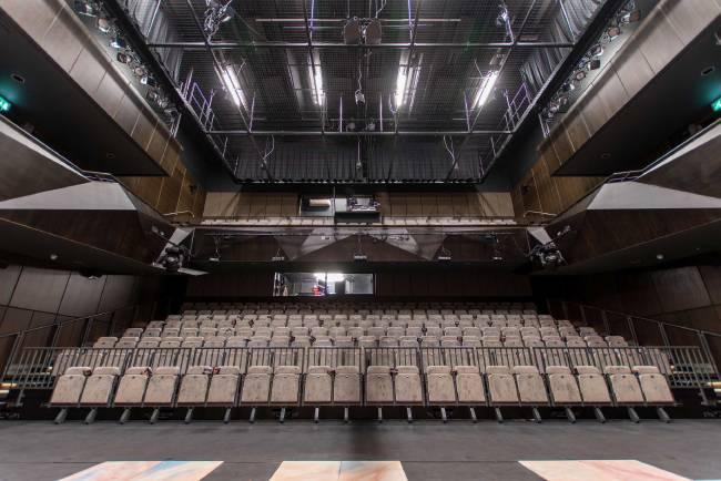 Театр Саутгемптона расширяет диапазон мероприятий с EM Acoustics