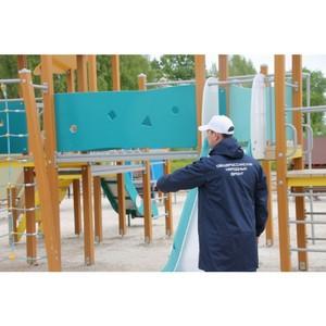 ОНФ помогает бороться с небезопасными детскими площадками в Сыктывкаре