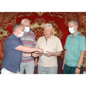 Таможенники поздравили 1-го начальника Смоленской таможни с 80-летием