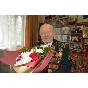 Смоленские таможенники поздравили ветерана Великой Отечественной