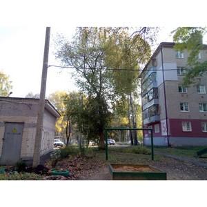 Во дворе дома в Саранске переустановили опасный кабель