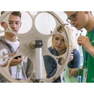 На фестивале «Nauka 0+» презентовали учебные программы по физике
