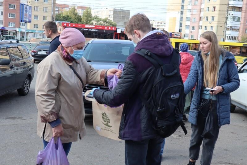 Жителям Саранска предложили заменить пластиковые пакеты экосумками