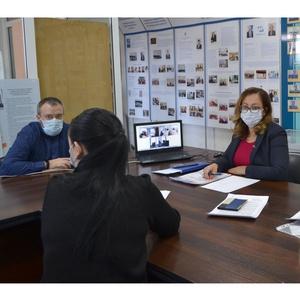 6 специалистов челябинского Росреестра успешно сдали экзамен