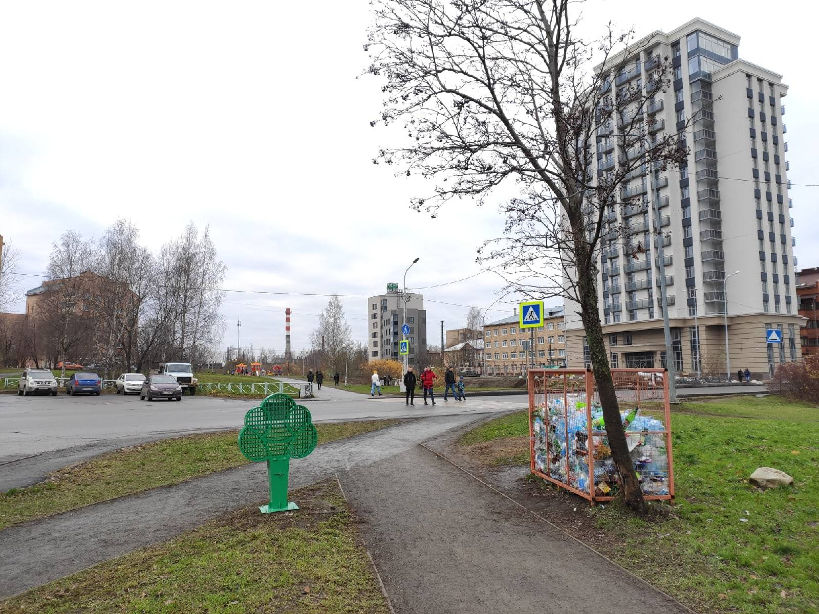 Контейнеры для сбора пластика установили в парках Петрозаводска