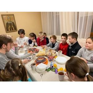 Сотрудники «Союз Маринс Групп» доставили тёплые вещи в детский приют
