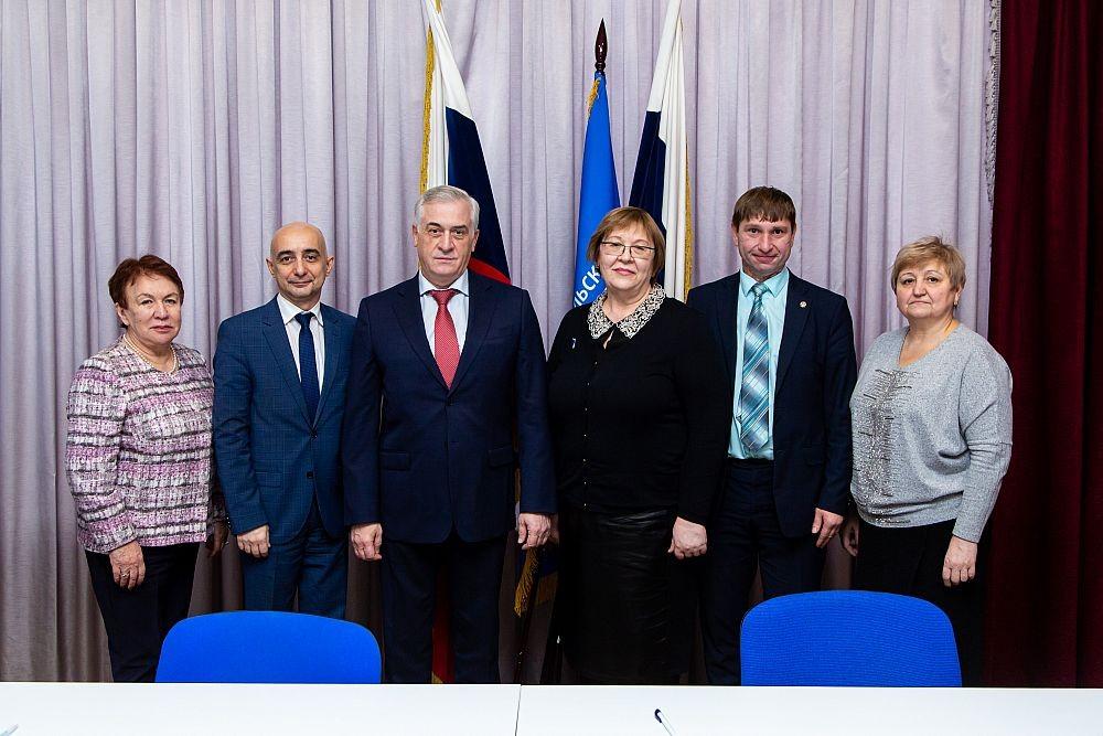 Будем работать вместе: УрГЭУ и школы Екатеринбурга и области