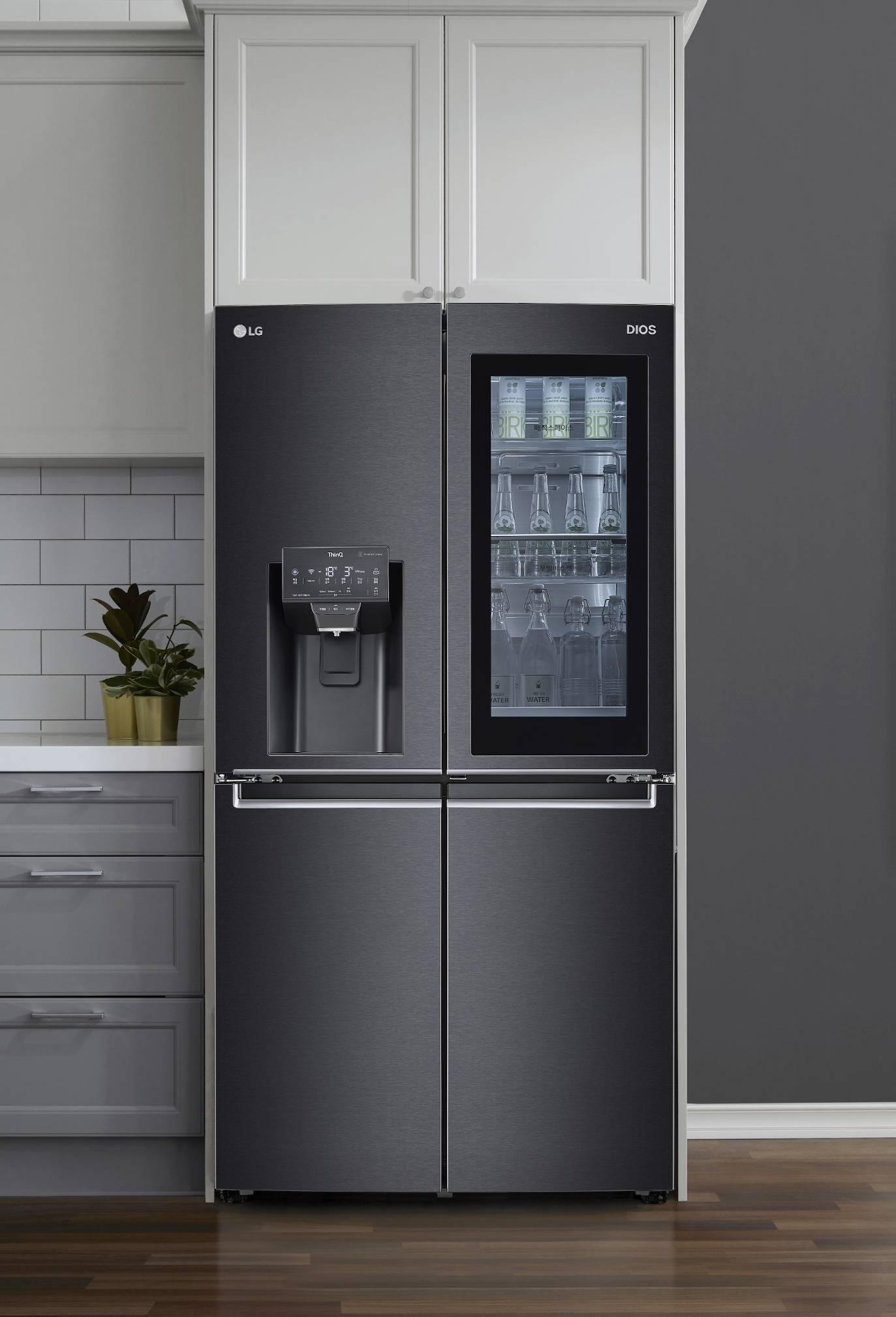 Новые холодильники LG InstaView на выставке CES 2021