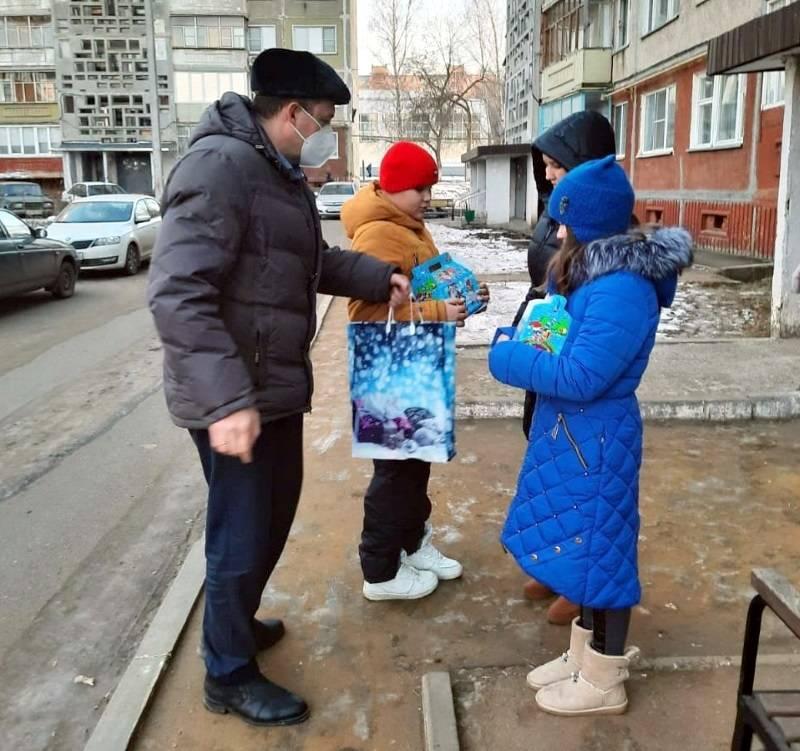 В Мордовии подарки получили 15 многодетных и малоимущих семей Саранска